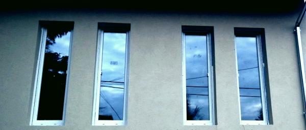 Műanyag ablak beépítés új épületbe